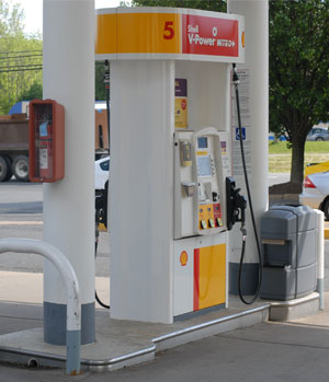 Chantilly Shell gas pump